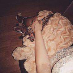 "85 aprecieri, 1 comentarii - ∆ Casandra ∆ (@casandrasy) pe Instagram: ""#glitter #sparkle #shine #shoes #fauxfur #warm #fashion #style"""