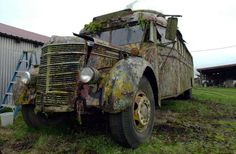 The 1939 International Harvester bus that author Ken Kesey and the Merry Pranksters drove into psychedelic history in 1964 sits in the rain in this Dec. 7, 2005 file photo, on the Kesey family farm in Pleasant Hill, Ore. Photo: JEFF BARNARD, ASSOCIATED PRESS