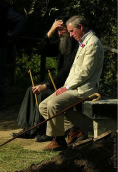 Prince Charles in 2004 burning a candle at a funeral in Colciu, a Romanian settlement near Vatopedi (Photo: pemptousia. Read here why Charles is so occupied with orthodoxy and Athos. Byzantine Icons, Funeral