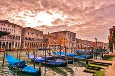 Palazzo e Gondoli by Atom-Photography