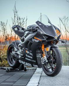 - Ducati Motor Holding S. Motorcycle Images, Motorcycle Dirt Bike, Futuristic Motorcycle, Scooter Bike, Moto Bike, Moto Ducati, Ducati Motorbike, Motorcross Bike, Diavel Ducati