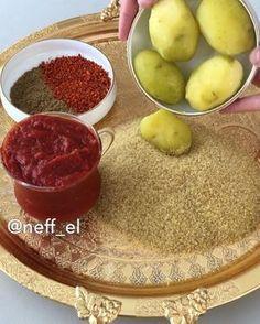"""31.2b Beğenme, 1,504 Yorum - Instagram'da Nefel Bulut YEMEK TATLI TARİF (@neff_el): """"Tam da şuan şu saatte yer misiniz 😍 şu ana kadar yediğniz çiğköftelerden bi tık farklı 🤭…"""" Vegetarian Recipes, Cooking Recipes, Raw Cake, Turkish Recipes, Homemade Beauty Products, Iftar, Rice Krispies, Sweet Recipes, Food And Drink"""