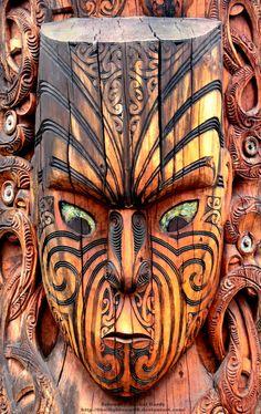 Maori Carving by on DeviantArt Polynesian Designs, Polynesian Art, Maori Designs, New Zealand Tattoo, New Zealand Art, Tiki Pole, Tiki Tiki, Maori Symbols, Tiki Hawaii