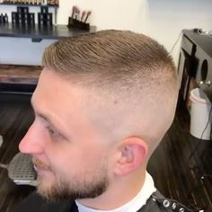 High fade Cool Haircuts, Haircuts For Men, Men's Haircuts, High Fade, Barber Shop, Hair Cuts, Photoshop, Buzz Cuts, Hair Styles