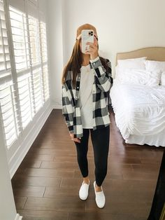 Trendy Outfits For Teens, Casual School Outfits, Teen Fashion Outfits, Cute Casual Outfits, Fall Outfits, Cute Flannel Outfits, Cute Outfits With Leggings, Plaid Flannel, Oversized Plaid Shirt Outfit