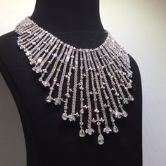 Fabulous set of diamonds! @dhamanijewels !! #dubai #diamonds #dream #queen #HighJewelry #luxury #luxurylife #luxurylifestyle #luxuryjewelry #instacool #instalike #instamood #instalove #instafollow #instaabudhabi #mylove #mydubai #my_dubai #wonderful #art #jewelry #amazing #awosome #abudhabi #fabulous #followme #finejewelry #baselworld #bestoftheday #baselworld2016 by mm_diamondsjewellers