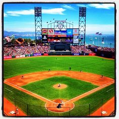 Beautiful day at #Dodgers and #Giants game in #SanFrancisco. (By @bmangin / SI) #MLB