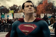 Henry Cavill News: Teen Choice Preview, Batman v Superman Tops Home Video Sales, UK Blu-ray