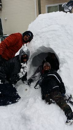 Taalyiahh Martin, Harrisonburg 	 I having fun in the snow building a igloo #WHSVsnow
