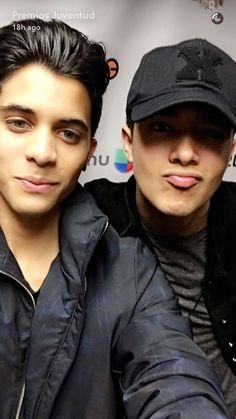 from the story La Vida Entera De Erick (CNCO) by AlixandraChcv (Alixandra Chcv) with reads. Twenty One Pilots, Cnco Snapchat, Cnco Band, Erik Brian Colon, I Love Him, Just Love, Boys Camp, Anne Shirley, Five Guys