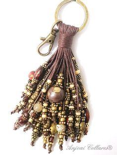 4 Easy Steps For Developing A Sunroom Llavero Anjolino Coc Leather Jewelry, Beaded Jewelry, Handmade Jewelry, Beaded Bracelets, Passementerie, Diy Keychain, Bohemian Bracelets, Jewelry Crafts, Creations