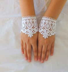 White cuff Wedding gloves bridal gloves lace by WEDDINGGloves
