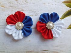 Patriotic hair clip accessories for girls set of 2 bow baby flower little clips barrettes clippies s Handmade Hair Bows, Diy Hair Bows, Making Hair Bows, Diy Bow, Ribbon Art, Diy Ribbon, Ribbon Crafts, Cloth Flowers, Diy Flowers
