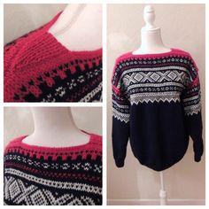 Marius sweater knitted in Peer Gynt yarn. 100% Norwegian wool. Size L.