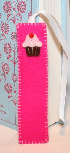 #favors, bookmarks felt, so adorable!