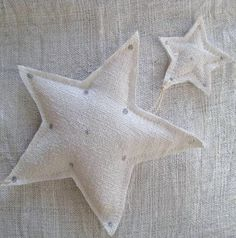 Christmas | Xmas | Jul | Noel. DIY: Decoration. White Stars. Fabric. Textile.