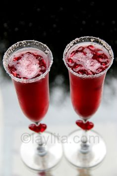 Sparkling pomegranate cocktail - perfect for Valentine's Day!