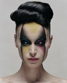 avant-garde just amazing make-up! Sfx Makeup, Costume Makeup, Makeup Art, Beauty Makeup, Hair Makeup, Hair Beauty, Makeup Tips, Alien Make-up, Fantasy Make Up