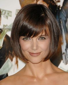 Hairstyles with bangs 25 Short Bob Hairstyles with Bangs Katie Holmes Hair Short Haircuts With Bangs, Inverted Bob Hairstyles, Bob Haircut With Bangs, Hairstyles Haircuts, Short Hair Cuts, Cool Hairstyles, Short Hair Styles, Bob Bangs, Celebrity Hairstyles