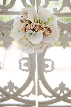 Ivory & Champagne Rose with White Calla Lily Wedding Bouquet by How Divine ~ https://www.howdivine.com.au/store/product/ivory-champagne-rose-with-calla-lilies-bouquet