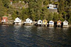 Fiordo de Oslo: En bicicleta a tu aire - Camino En Bici Fiordo De Oslo, House Styles, Home Decor, Forests, Log Homes, Drive Way, Bicycles, Scenery, Pictures
