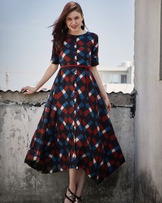 Shop online Criss Cross Midi The cotton criss cross dress with a boat neck, stylized c-hem and the belt addition is sure to up your style quotient. Pair it with statement earrings and block heels to have that perfect look.
