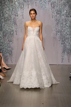 Monique Lhuillier Fall 2016: A Romantic Garden