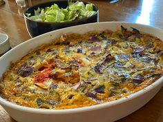 Lättlagade ostpajer - perfekt picknickmat eller festmat Cheddar, Broccoli, Curry, Ethnic Recipes, Food, Curries, Cheddar Cheese, Essen, Meals