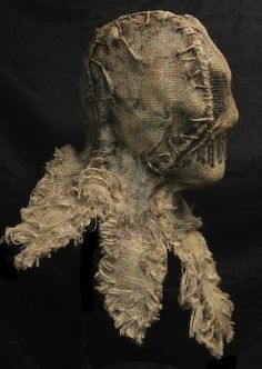 11d Hunting Suit, Scarecrow Mask, Horror Artwork, Scary Mask, Halloween Haunted Houses, Voodoo Dolls, Scarecrows, Lizards, North Korea