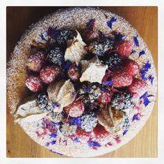 Fruit topped Classy Vicky Sponge, gluten free! www.monkeypoodle.co.uk