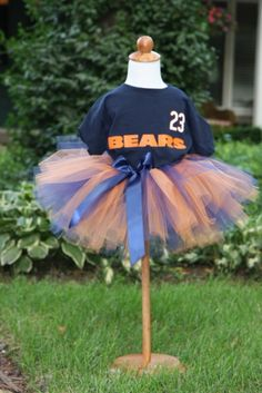 How to make a tutu--> So cute!  Love the football theme (but obviously for Panthers ;) lol)