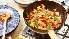 Feine Garnelen mit knackigem Gemüse. Fix im Wok zubereitet und mit Reis serviert. Gewürzt wird natürlich mit MAGGI.
