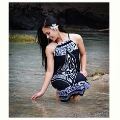 Simply Sisters by Lola Miller Designs Hilo, Hawaii New Fashion, Girl Fashion, Fashion Outfits, Island Style Clothing, Clothing Styles, Samoan Dress, Polynesian Designs, Island Wear, Tropical Outfit
