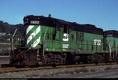 RailPictures.Net Photo: BN 1922 Burlington Northern Railroad EMD GP9 at Seattle, Washington by Craig Walker