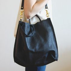 east/west courier tote - ink black