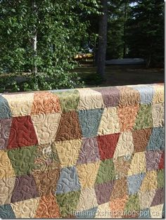 Tumbler quilt I like the colors and the longarm quilting Longarm Quilting, Machine Quilting, Quilting Projects, Quilting Designs, Sewing Projects, Quilting Ideas, Batik Quilts, Boy Quilts, Scrappy Quilts