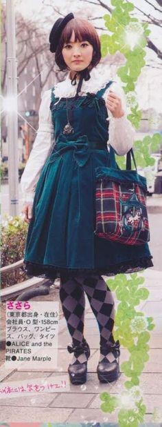 classic lolita – I like the bangs.