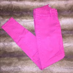Free People Skinny Jeans HOT PINK! Perfect for summer  These hot pink skinny jeans were one of my favorite free people purchases EVER!!! But unfortunately I grew out of them.  they are seriously amazing. *** let me know if you have any questions *** Free People Jeans Skinny