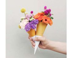 Such a sweet way to give flowers!  :)  Party favors??