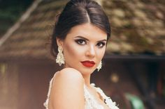 Bridal MUAs In Sydney You Must Know: June Edition Sydney MUA, Australian fashion, Sydney fashion Strangers Online, Looking For Friends, Dating World, Friends With Benefits, Casual Date, Marry You, Australian Fashion, You Must, Bridal Makeup