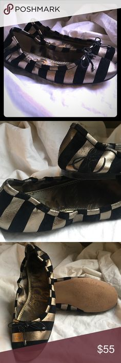Sam Edelman ballet flats Gold & black striped flats. A delicate logo charm adorns the bow-trimmed toe of leather ballet flat. Wore a few times so looks in new condition. The bottom has minimal wear as shown in pic. Happy Shopping ❤️ Sam Edelman Shoes Flats & Loafers