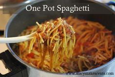 ONE POT SPAGHETTI: 1 pound ground meat 1 can (14.5 ounces) diced tomatoes 2 cups tomato sauce (16 ounces) 1 ½ cups water 2 tablespoons sucanat (or brown sugar) or a dash of stevia 1 tablespoon dried minced onion ½ teaspoon salt ¼ teaspoon pepper ½ teaspoon garlic powder ½ teaspoon oregano 1 teaspoon Italian seasoning 8 ounces spaghetti noodles, broken into smaller pieces
