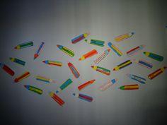 rentrée des classes en CP crayons de couleur en découpage et collage