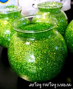 diy glitter jars (could work for any holiday)