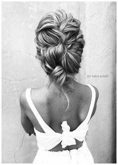 Messyhair messybraid messyhairupdo braids messyhair bridalhair wedding hair hairstyle hairbun messybun bynikakarp