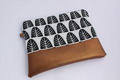 Schminktäschchen - Kosmetiktasche - ein Designerstück von Hitta-von-Nono bei DaWanda Shops, Etsy, Continental Wallet, Zip Around Wallet, Bags, Shopping, Fashion, Handmade, Taschen