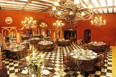 Salón Palacio de la Misión Table Settings, Table Decorations, Furniture, Home Decor, Palaces, Space, Events, Weddings, Places