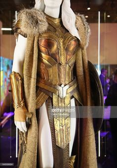 Queen Hippolyta costume worn by Connie Nielsen in Wonder Woman Wonder Woman Cosplay, Costume Armour, Fantasy Gowns, Cool Outfits, Fashion Outfits, Cosplay Diy, Character Outfits, Dandy, Costume Design