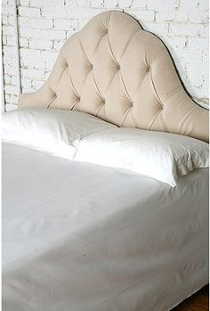 Loving padded headboards right now...