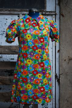 Fabulously floral 60s mini dress. $57.00, via Etsy.